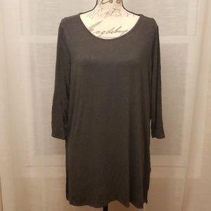 Dark gray 3/4 sleeve tunic shirt